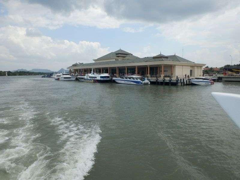 noch ein Blick auf den Pier von Pakbara