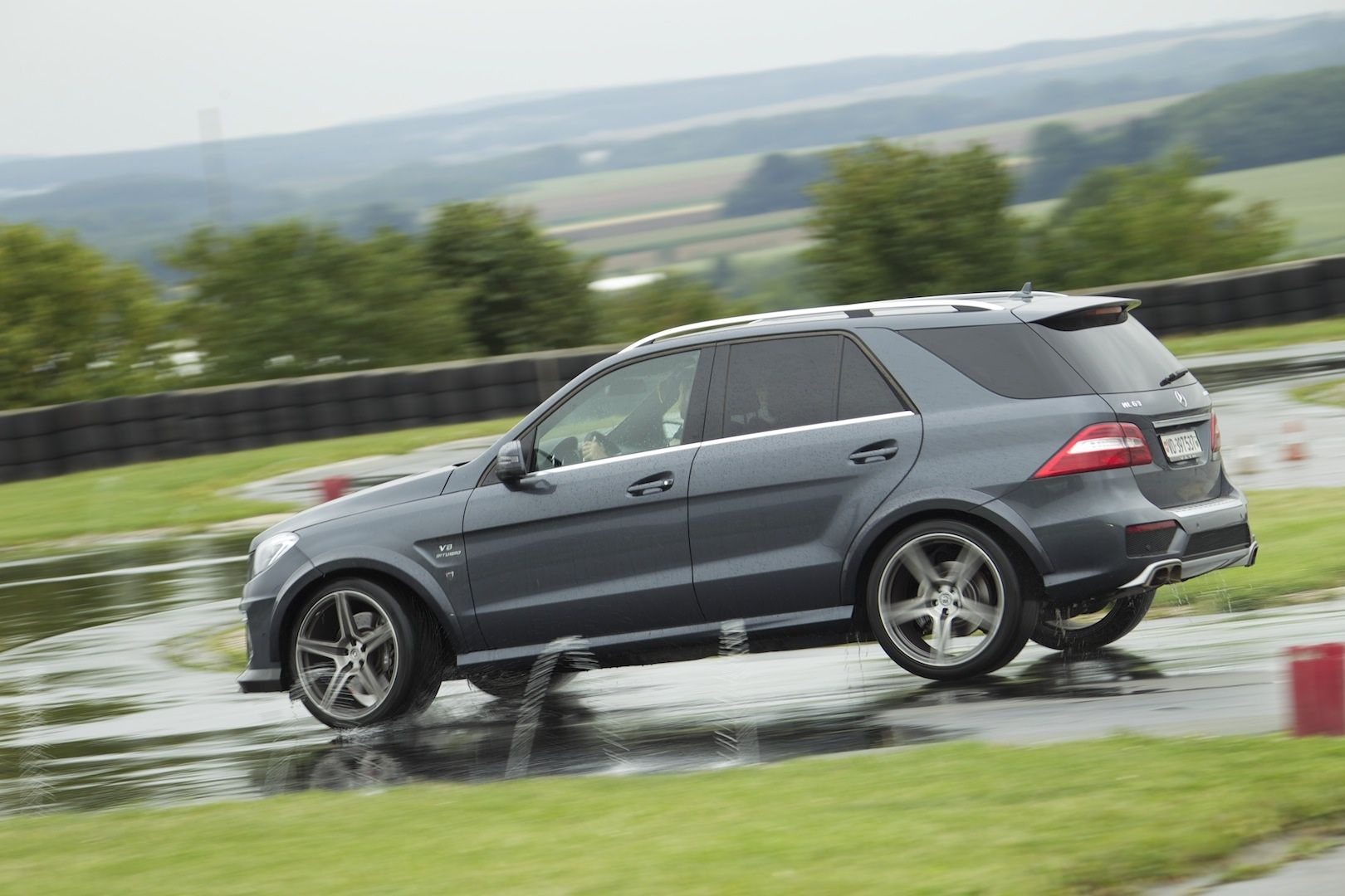 Ml63 on track the amg academy forums for Mercedes benz academy